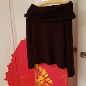 Escapade Fur of the shoulder sweater